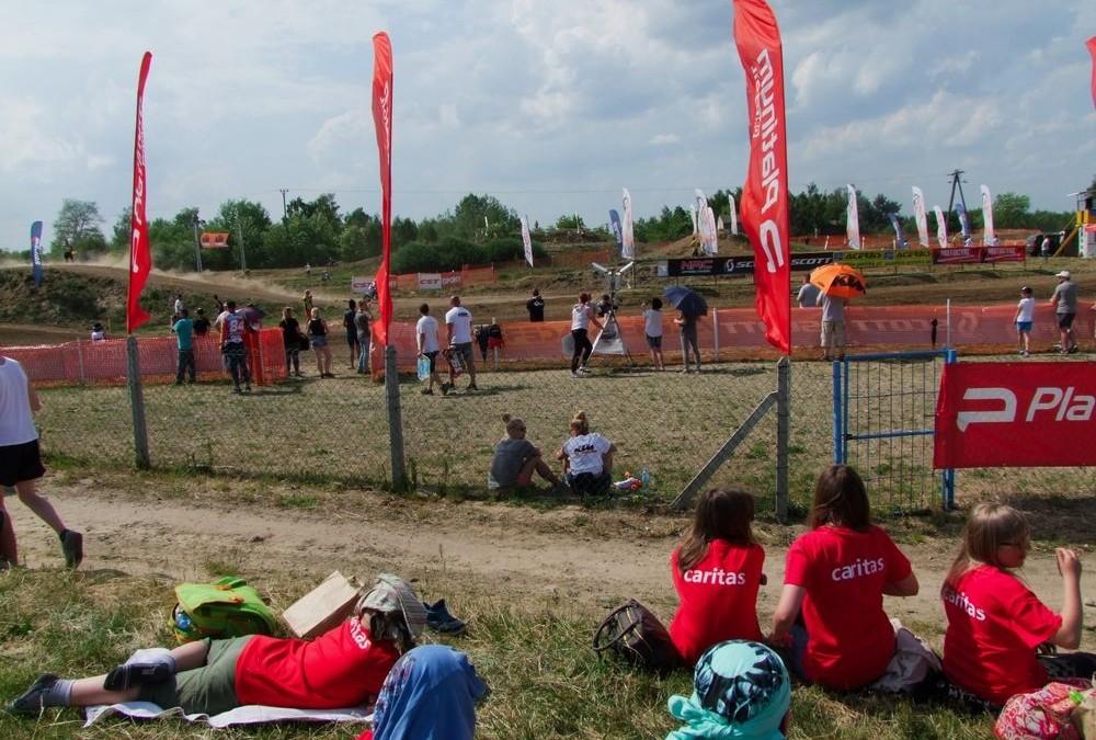"""Dzieci z Programu """"Skrzydła"""" na zawodach Orlen Team"""