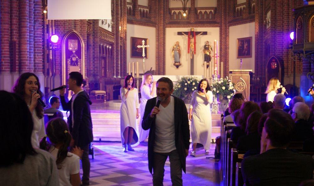 """""""Zbawieni jesteśmy przez miłość""""- 25 lat Caritas Diecezji Warszawsko-Praskiej"""